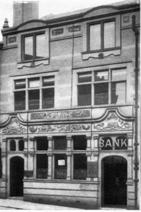 1922 Stockport Branch Exterior as L & Y Bank WNT.jpg