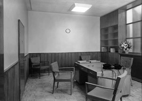 1952 The Foreign Manager's Room MBM-Sp52P45.jpg