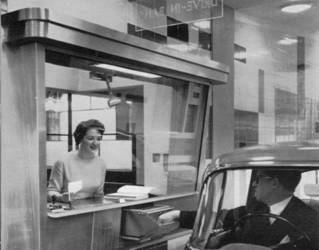 1963 Drive-in Bank Leicester.jpg