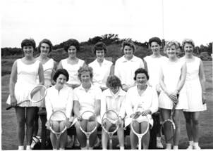 1968 AUG 26 - Beryl Wins 3rd Prize in Class 9 at MB Hort Soc Show - Beryl Creer MBA.jpg