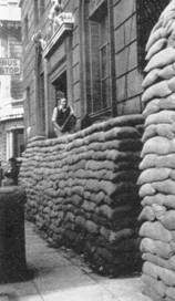 1939 Sandbagging at outbreak of WW2 MBM-Au64P41.jpg