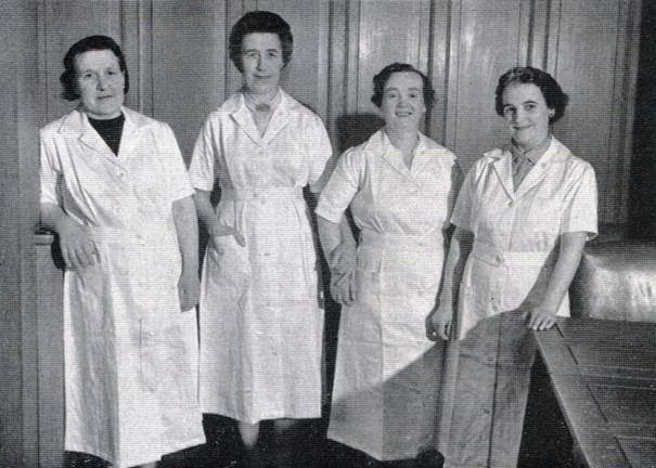 1958 Leeds Catering Staff MBM-Sp58P32.jpg