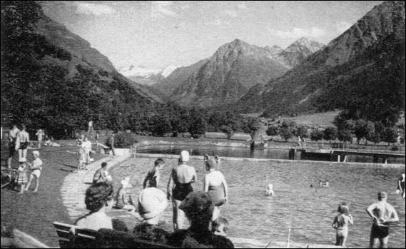 1956 The heated Pool at Klosters MBM-Wi56P12.jpg